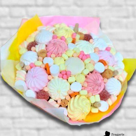 Букет из домашнего зефира и конфет