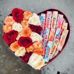 е-Коробка-сердце-розы-с-киндер-шоколадом2-min