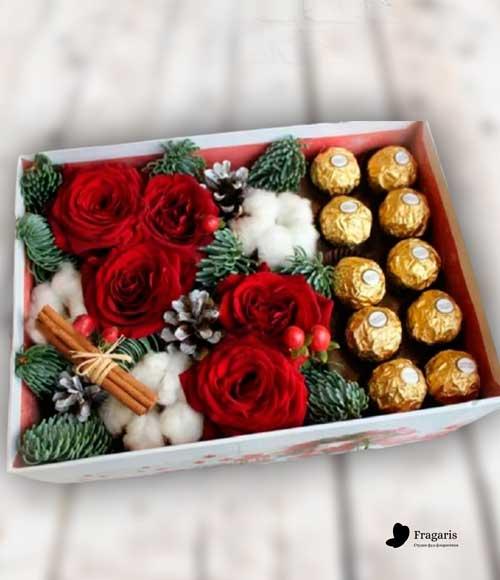 коробка-с-цветами-и-конфетами-2-min