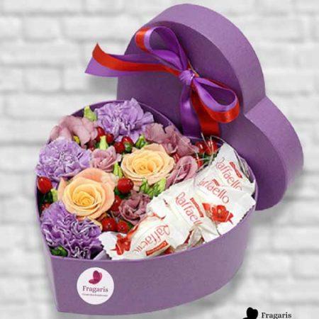 Коробка-с-розами-и-рафаэлло