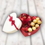 Коробка-сердце-с-цветами-min