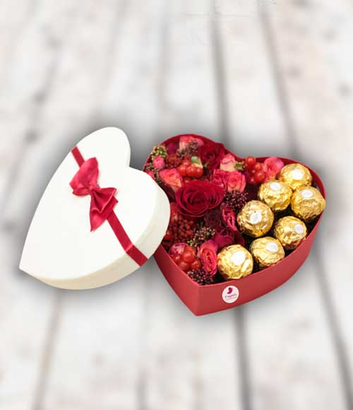 Коробка-сердце-с-цветами