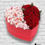 b-60 Коробка-сердце-с-рафаэлло-и-розами-min
