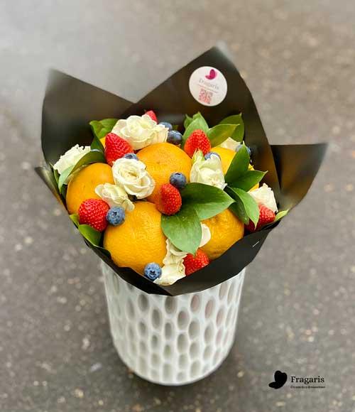 Мандариновый-букет-с-розами-5