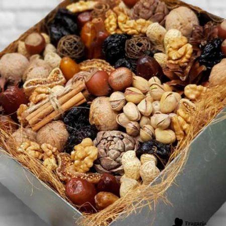 Набор из сухофруктов и орехов