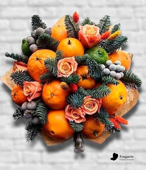 Новогодний-букет-с-мандарином-min